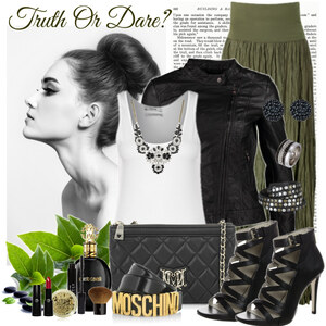 Outfit truth or dare von Justine