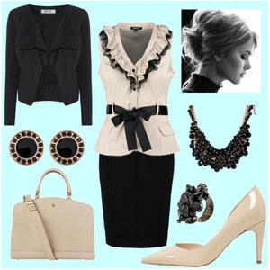 Outfit Büro von A.N.N.A