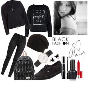 Outfit Schwarz: das neue bunt! von YAS MINA