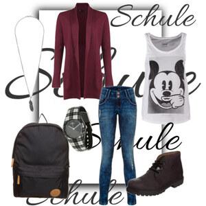 Outfit Schule von Ana