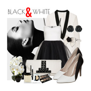 Outfit BLACK AND WHITE von Justine