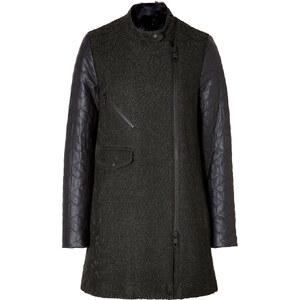 Closed Coat in Night Time Black