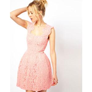 ASOS - Strukturiertes Kleid aus Spitze mit Körbchen - Rosa