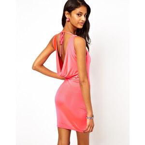 Lipsy - Minikleid mit Wasserfall-Rückenausschnitt und Juwelenverzierung - Rosa