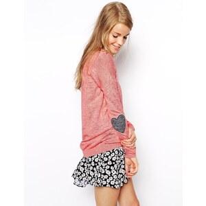 ASOS - Pullover mit herzförmigen Ellbogenflicken - Pastellrosa