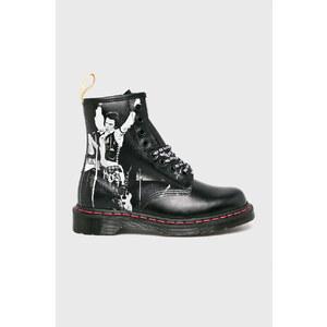 Čierne topánočky sex