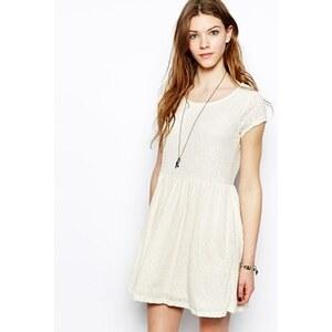 Pull&Bear - Kurzärmliges Skaterkleid - Weiß