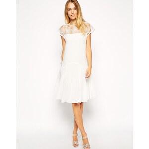ASOS - 3D-Kleid mit Spitze und Schößchen - Violett