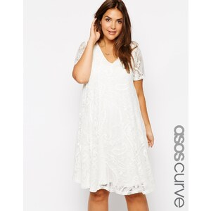 ASOS CURVE - Exklusives, länger geschnittenes Kleid mit Spitze und V-Ausschnitt - Cremeweiß