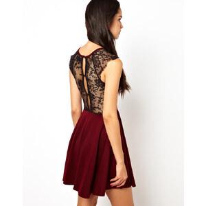Club L – Kleid mit Rückseite aus Spitze