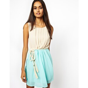 Club L – Zweifarbiges Kleid mit Seilgürtel