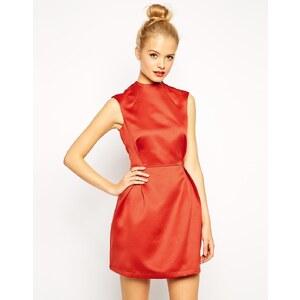 ASOS - Hochgeschlossenes Kleid in A-Linie aus Satin - Rostrot