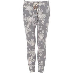 REVIEW Sweatpants mit floralem Muster