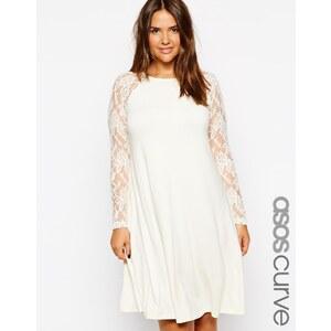 ASOS CURVE - Exklusives, ausgestelltes Kleid mit Raglanärmeln aus Spitze - Cremeweiß
