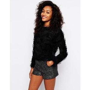 Vero Moda - Flauschiger Pullover mit Streifen - Schwarz