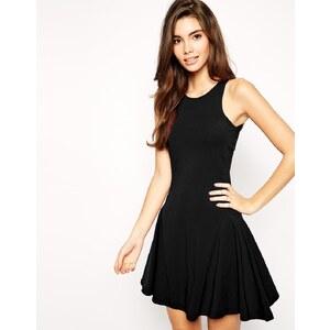 ASOS - Kleid mit gewelltem Saum und Ziernaht - Schwarz