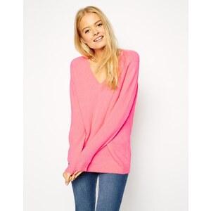 ASOS - Pullover aus Flauschgarn mit V-Ausschnitt - Neonrosa