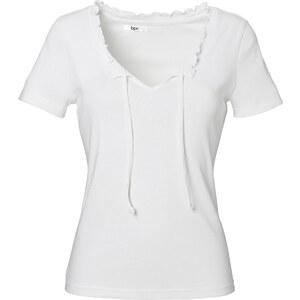bpc bonprix collection Shirt kurzer Arm figurbetont in weiß (V-Ausschnitt) für Damen von bonprix