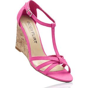 BODYFLIRT Sandalette mit 9 cm Keilabsatz in pink von bonprix