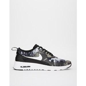 Nike - Thea - Bedruckte Turnschuhe in Schwarz