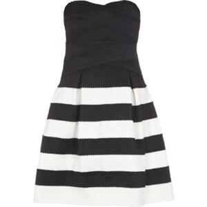 Glamorous Kleid aus Zierborten mit strukturierter Oberfläche