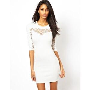 TFNC - Figurbetontes Kleid mit Spitzeneinsatz - Weiß