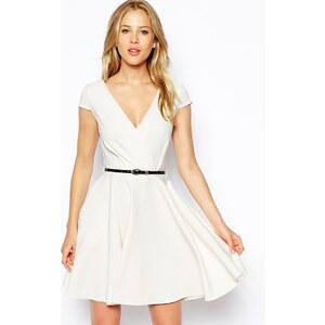 Closet - Skaterkleid mit tiefem V-Ausschnitt und Gürtel