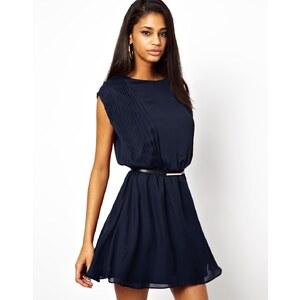 ASOS - Skater-Kleid mit zarten Biesen und Gürtel