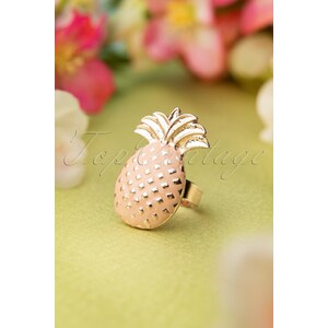 Darling Divine 60s Hawaii On Your Finger Ring