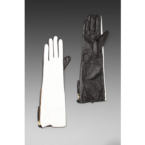 By Malene Birger Free Hands Quanna Gloves in Black & White