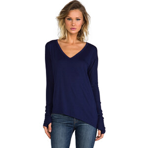 Feel the Piece Stelth Top in Navy