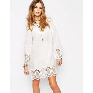 Glamorous - Swing-Kleid mit gehäkelten Ärmeln