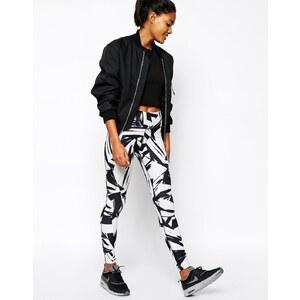 Nike - Leggings mit großem Aufdruck