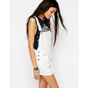 ASOS - Festival - Jeans Latzschorts mit unverarbeitetem Saum - Weiß