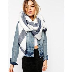 ASOS - Übergroßer Schal mit blauen Streifen - Weiß