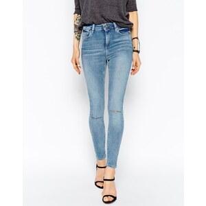 ASOS - Ridley - Enge, knöchellange Jeans mit Knierissen in mittelblauer Penny-Waschung - mittelblaue Penny-Waschung