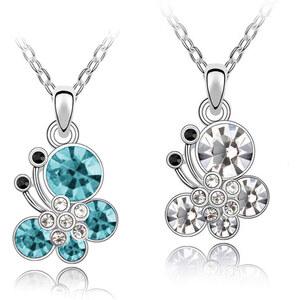 Lesara Halskette mit Schmetterlings-Anhänger - Blau