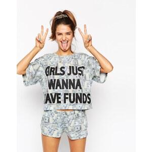 ASOS - Schlafanzug bestehend aus T-Shirt und Short mit 'Girls Just Wanna Have Funds' Print - Mehrfarbig