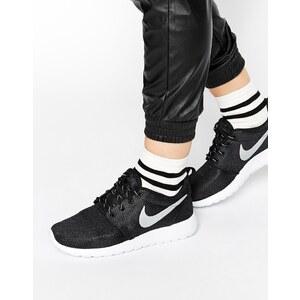 Nike - Roshe Run - Schwarze Turnschuhe - Schwarz
