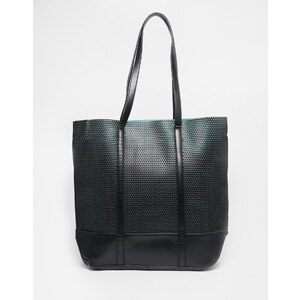Pull&Bear - Schwarze Tasche mit Laserschnitten