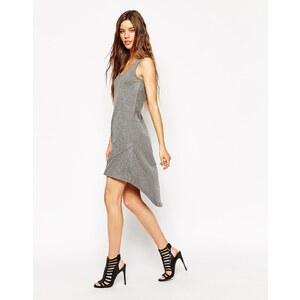 Noisy May - Kleid mit nach hinten abfallendem Saum und Spitzenrückseite