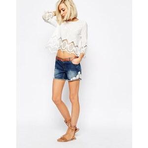 Vero Moda - Shorts mit Spitzenverzierung - Blau