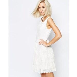 Vero Moda - Kleid aus Spitze mit Falten - Gebrochenes Weiß
