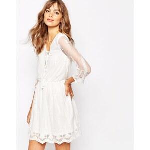 Vila - Premium - Tailliertes Häkelkleid - Weiß