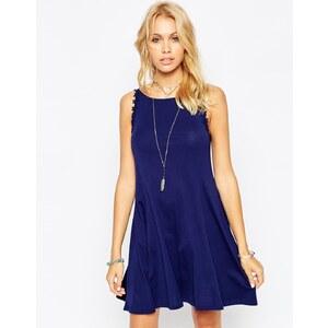 ASOS - Swing-Kleid mit Blümchen-Trägern - Flieder 5,99 €