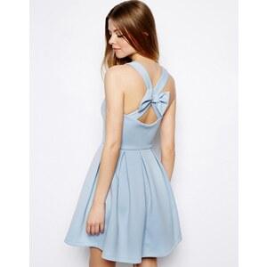 ASOS − Skater-Kleid mit hinterem Schlaufen-Detail