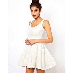 ASOS – Strukturiertes Kleid mit Rippenmuster