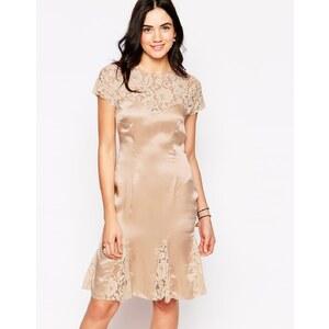 Candela NYC Candela - Catherine - Kleid mit Spitzeneinsätzen - Blush