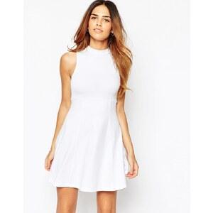 ASOS - Empire-Kleid mit hohem Kragen - Weiß