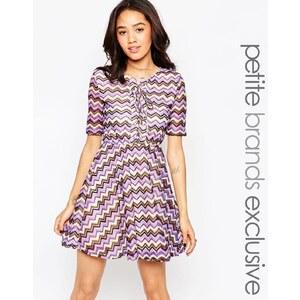 Glamorous Petite - Robe patineuse style 70's à motif zigzag et lacets - Multi